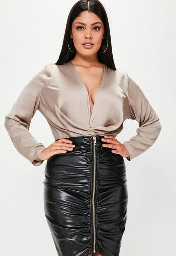 Plus Size Black Faux Leather Ruched Zip Front Skirt