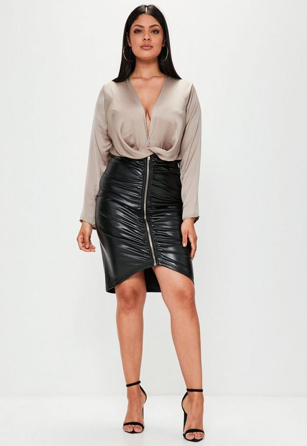 Plus Size Black Faux Leather Ruched Zip Front Skirt | Missguided