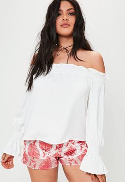 Plus Size Carmenbluse mit Rüschenärmeln in Weiß