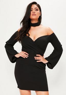 Vestido de escote bardot con gargantilla en negro talla grande