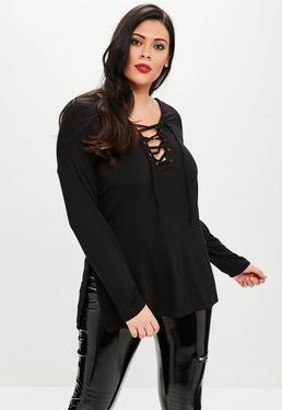 Czarny top z długim rękawem wiązany na dekolcie z rozcięciami po bokach Plus Size