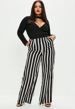 Pantalón talla grande a rayas de pierna ancha en negro