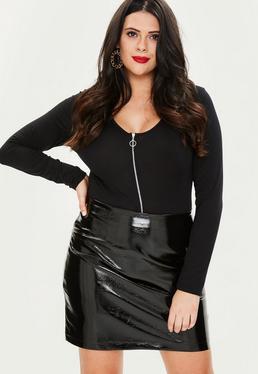 Plus Size Czarna winylowa spódniczka mini