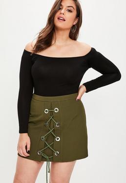 Falda talla grande con detalle de ojales en caqui