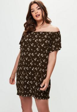 Vestido talla grande con estampado floral en caqui