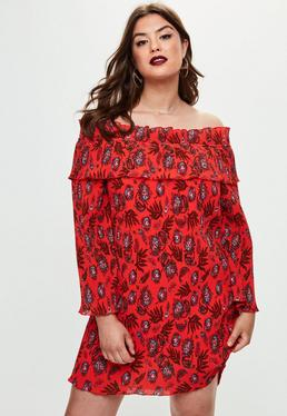 Vestido talla grande bardot plisado con estampado paisley en rojo