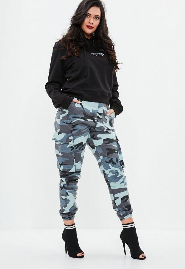 Plus Size Blaue Camouflage Cargohose | Missguided