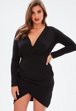 Plus Size Czarna zawijana sukienka mini