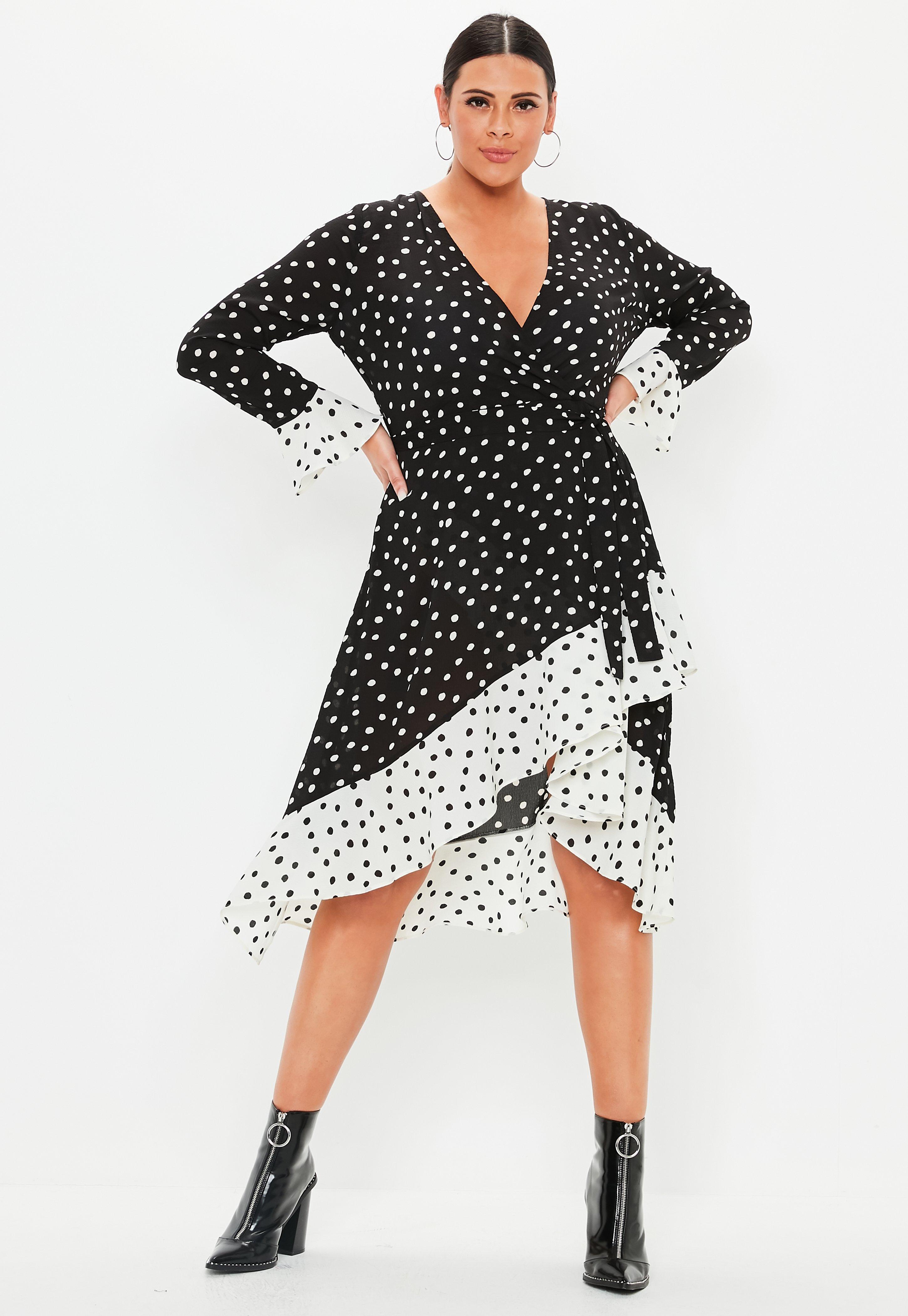 c1a8c47e7d813 robe-portefeuille-noire--pois-et-volants-grandes-tailles.jpg