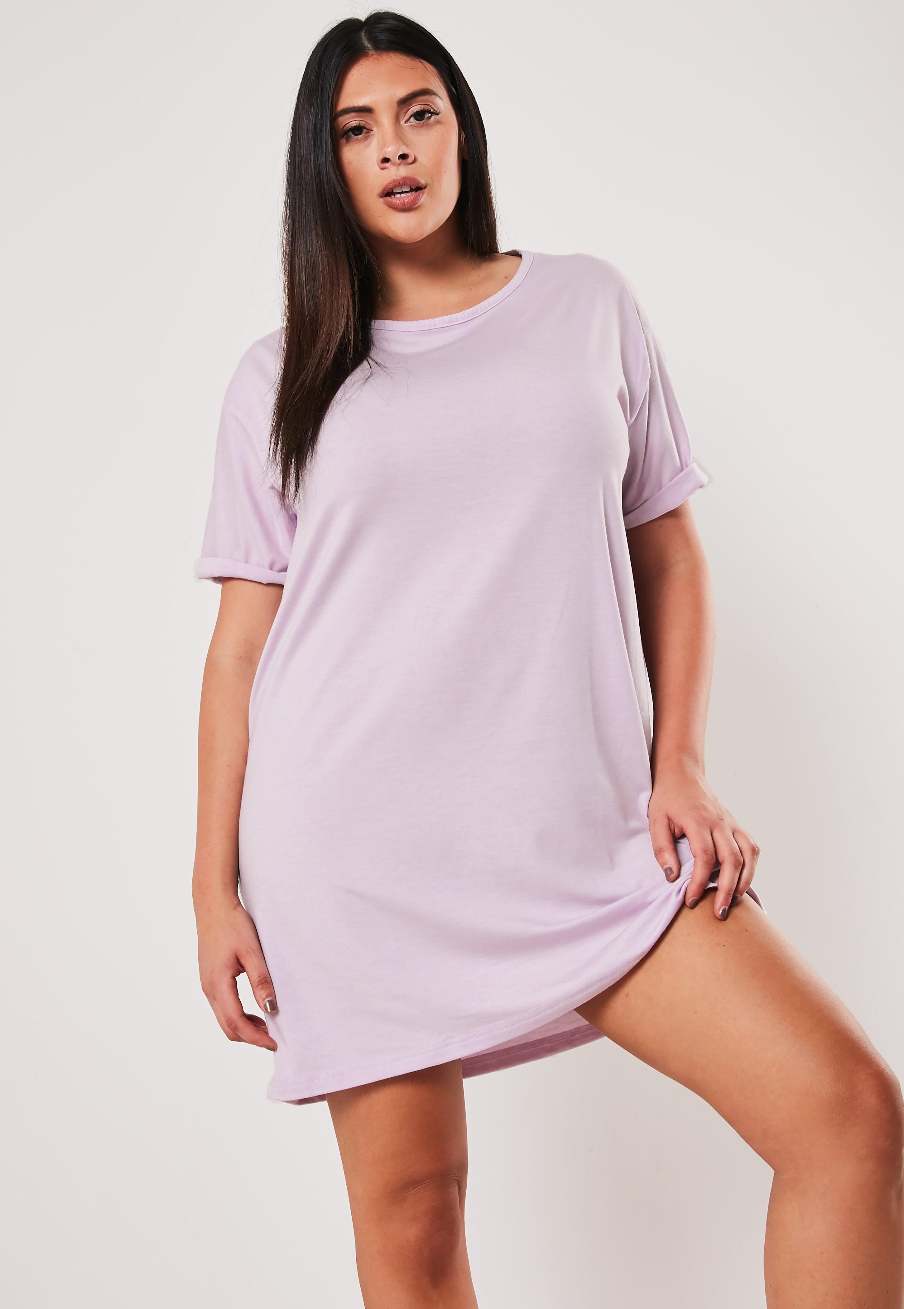 outlet store e222d 022a8 Plus Size Oversize-T-Shirtkleid mit Rundhalsausschnitt in Flieder