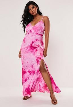 Розовое платье макси с длинными рукавами