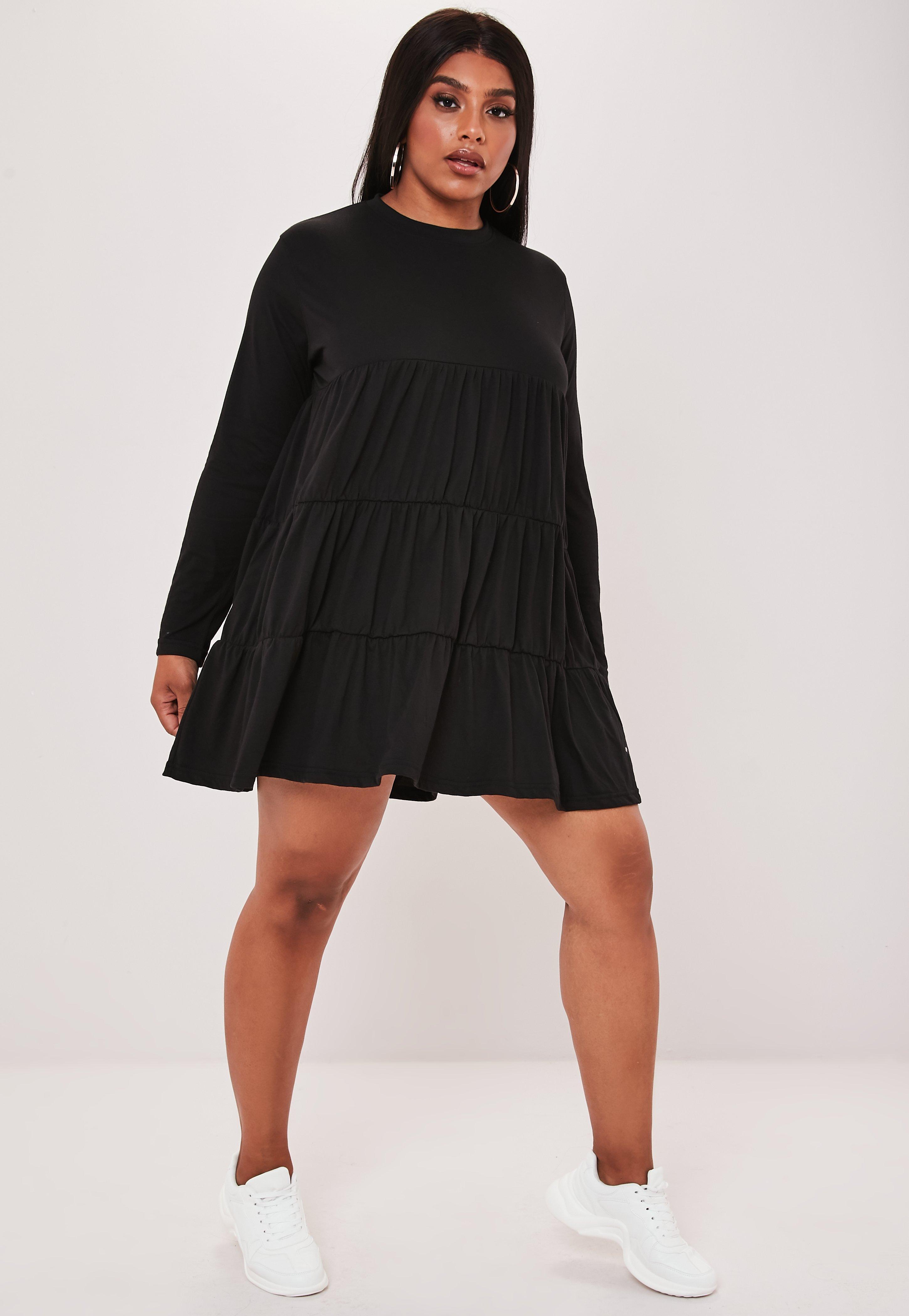 timeless design be7b2 7656a Plus Size Gestuftes Jersey-Hängerkleid mit langen Ärmeln in Schwarz