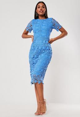 Синее кружевное платье миди с открытой спиной