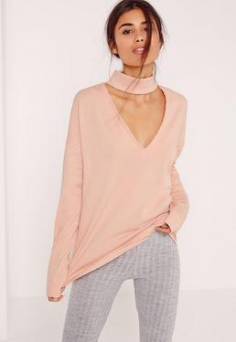 Różowa bluza z chokerem i dekoltem w serek dla wysokich kobiet