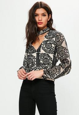Kremowa bluzka z chokerem i haftowanym wzorem exclusive dla wysokich kobiet