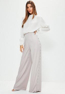 Szare spodnie z szerokimi nogawkami i ozdobnymi guzikami po bokach dla wysokich kobiet