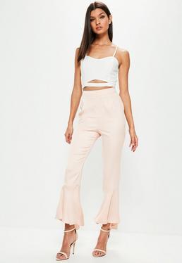 Różowe satynowe spodnie zakończone falbankami premium dla wysokich kobiet