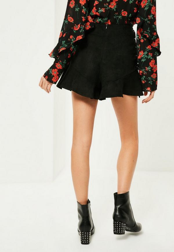tall schwarze high waist shorts mit schn rdetails missguided. Black Bedroom Furniture Sets. Home Design Ideas