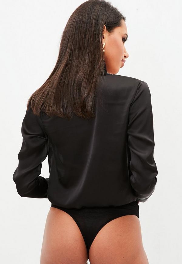 tall langarm satin body mit v ausschnitt in schwarz. Black Bedroom Furniture Sets. Home Design Ideas