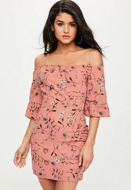 Różowa sukienka bardot dla wysokich kobiet