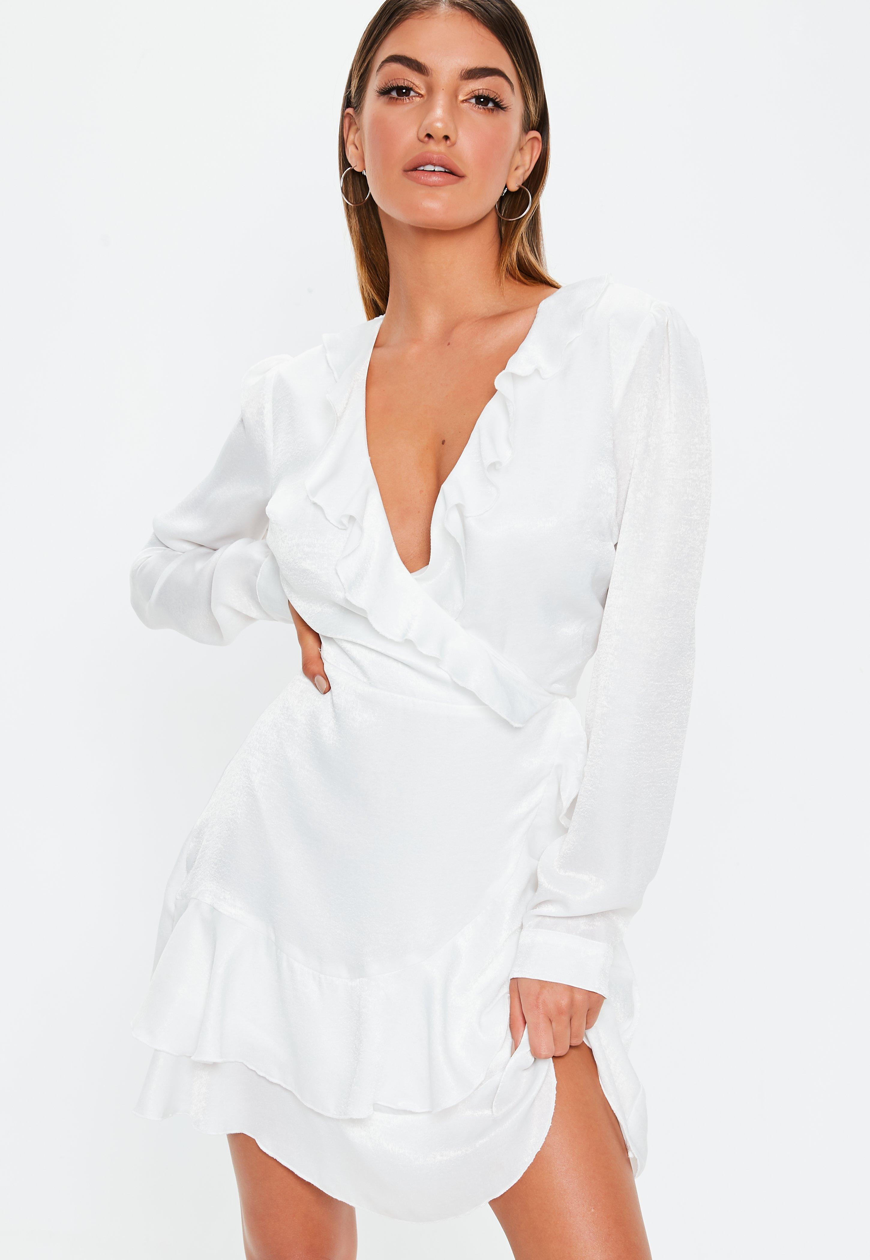 42a4da27f4 Tall Biała zawijana sukienka z falbankami