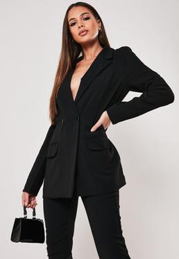 Высокий черный пиджак с длинным пиджаком