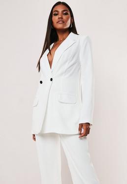 Высокий белый пиджак