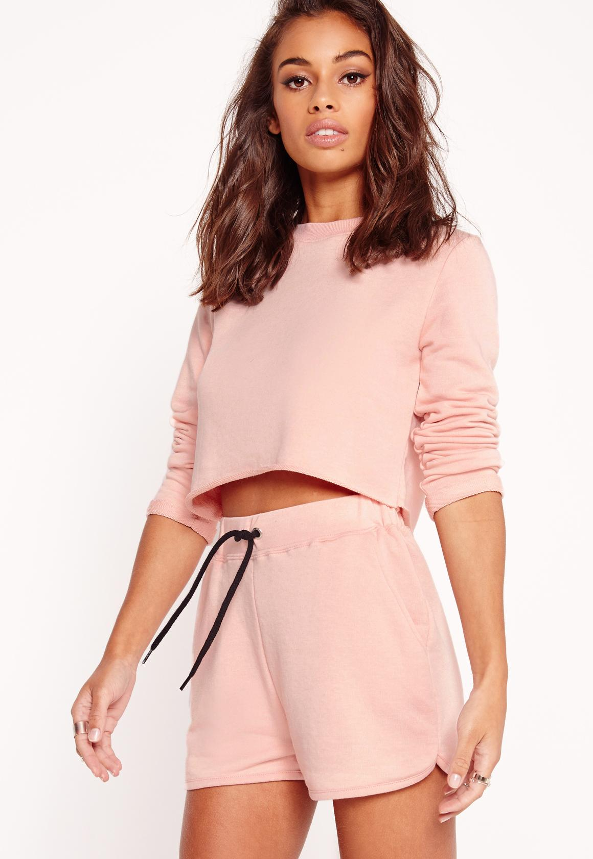 petite exclusive cropped sweatshirt pink | Missguided
