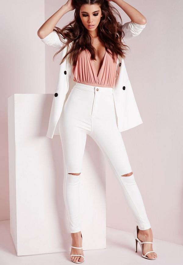 Jean skinny blanc taille haute trou vice petite missguided - Jean blanc troue ...