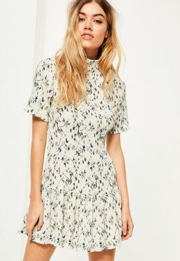 Petite Exclusive Cream Pleated Floral Print Dress