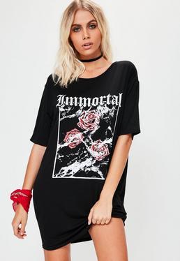 Vestido camiseta petite con eslogan immortal en negro