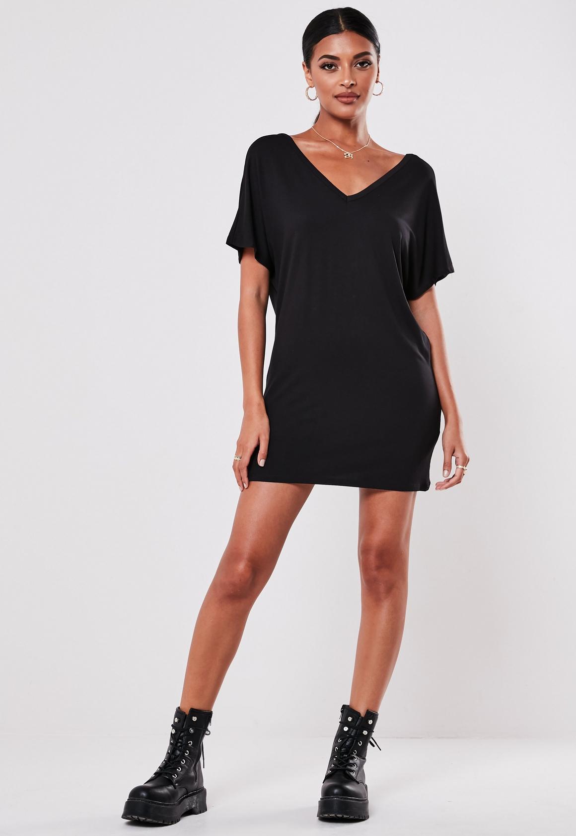 Petite T-Shirt-Kleid in Schwarz | Missguided