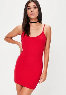 Czerwona prążkowana sukienka na ramiączkach petite