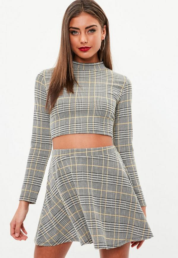 Petite beige checked flippy skirt