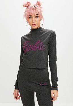Barbie x Missguided Crop top petite de cuello alto con logo barbie de strass en gris