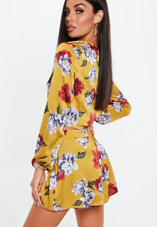 edfe115fcd351d Petite Mustard Floral Plunge Balloon Sleeve Crop Top. Previous Next