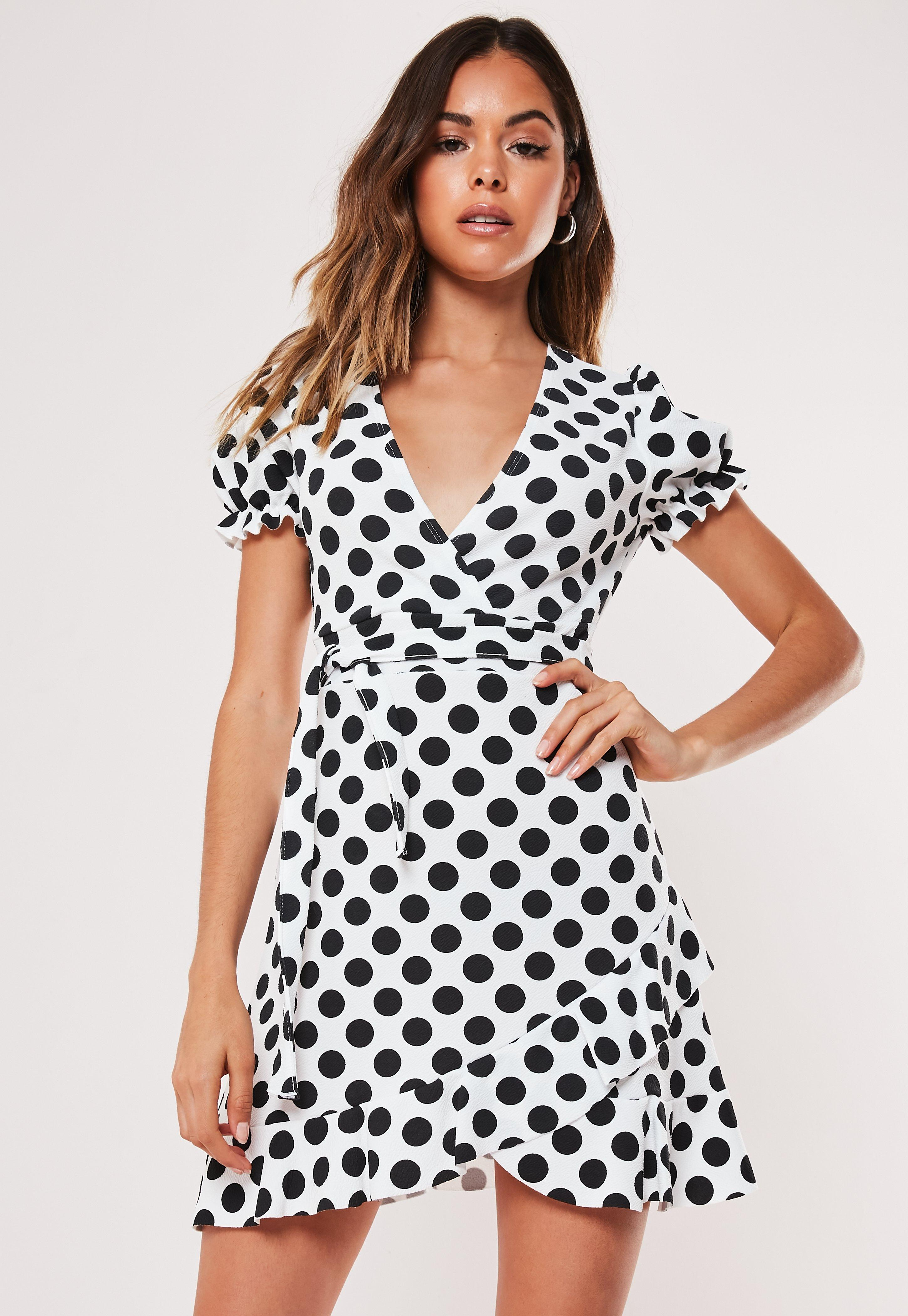 a2659c24c Wrap Dresses | Wrap dress & Tie Waist Dresses - Missguided