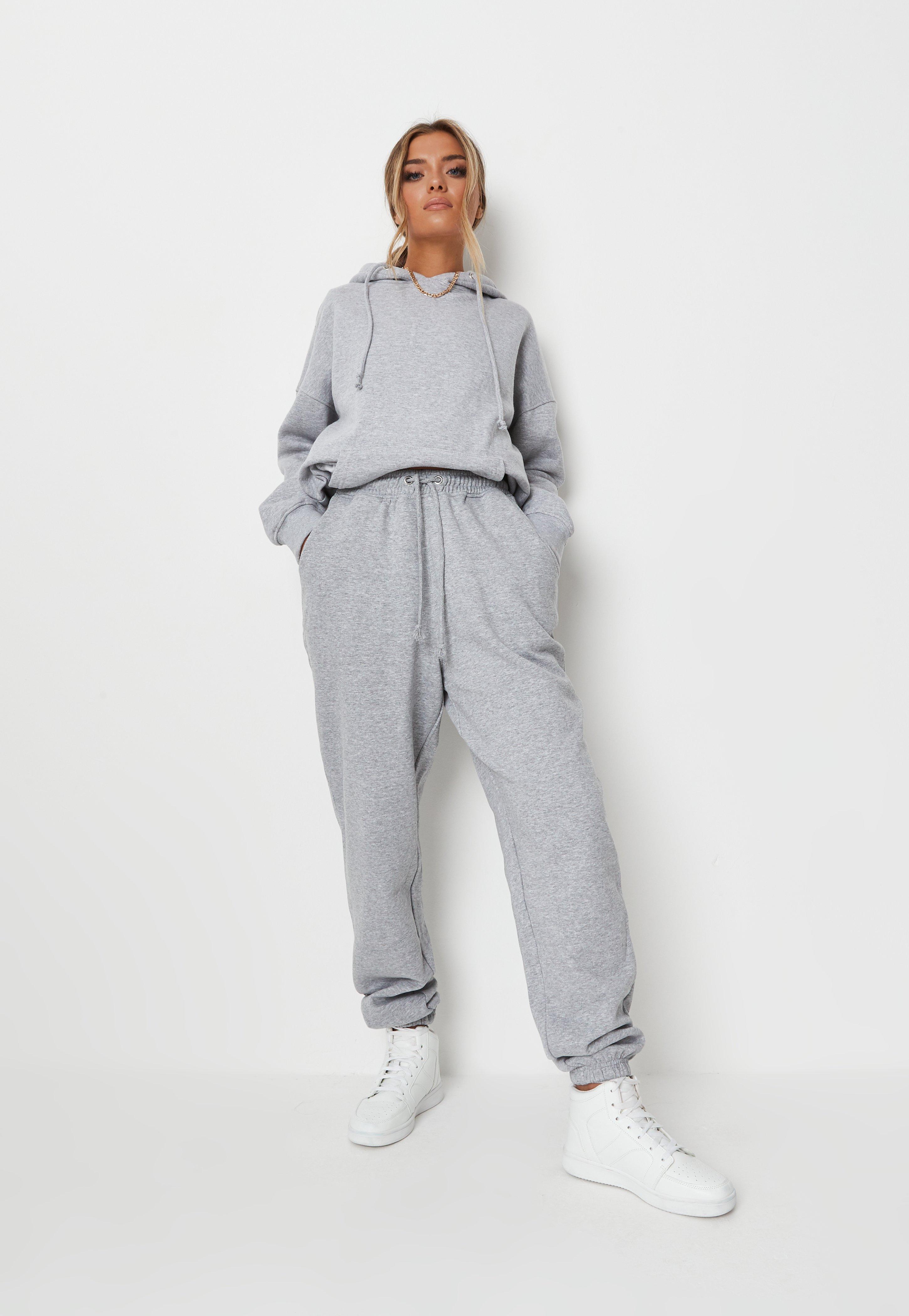 12 Best dresy images | Spodnie, Spodnie dresowe, Ubrania